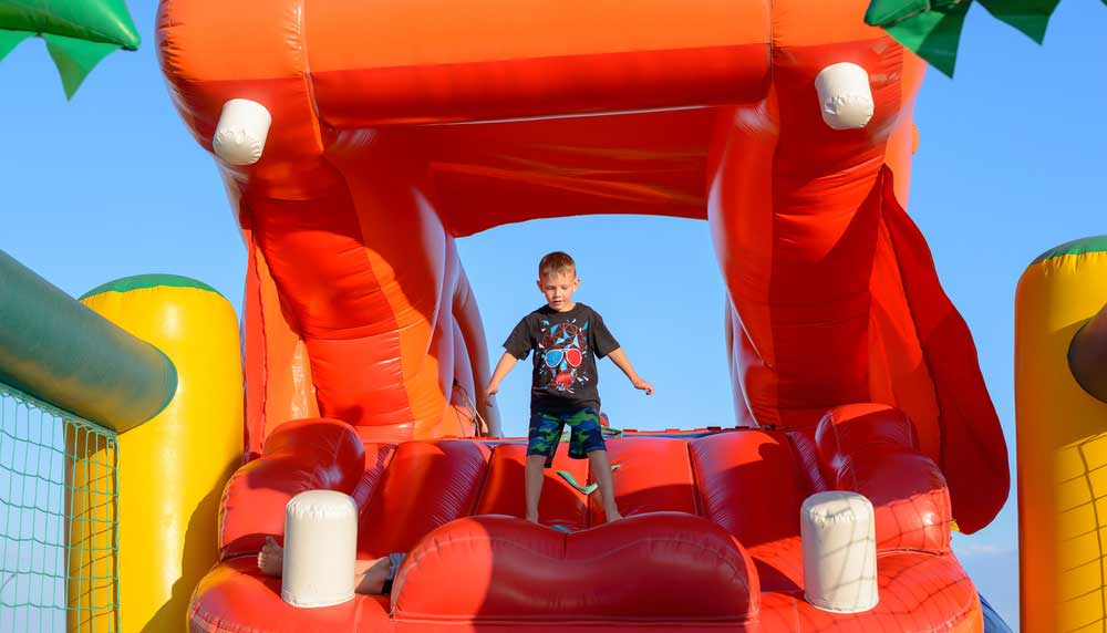 Best Inflatable Bouncy House & Castle Reviews